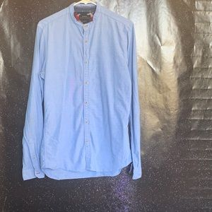 Zara- Light Blue Relaxed Fit Button up Shirt Med
